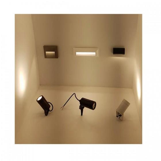 Στεγανή τετράγωνη απλίκα LED 4000Κ