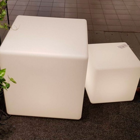 Στεγανός λευκός κύβος δαπέδου 60x60cm με μαύρο καλώδιο 3m