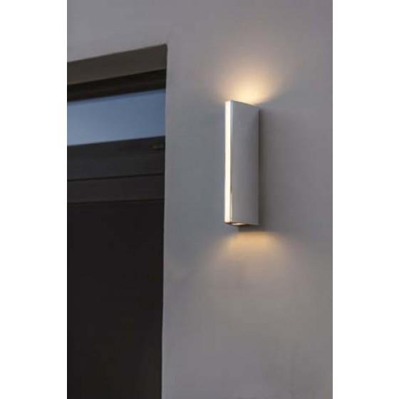 Στεγανή απλίκα LED με τρεις φωτεινές πηγές