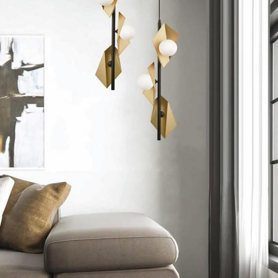 Τρίφωτο με γυάλινους γλόμπους σε πολυγωνικές χρυσαφί κεφαλές