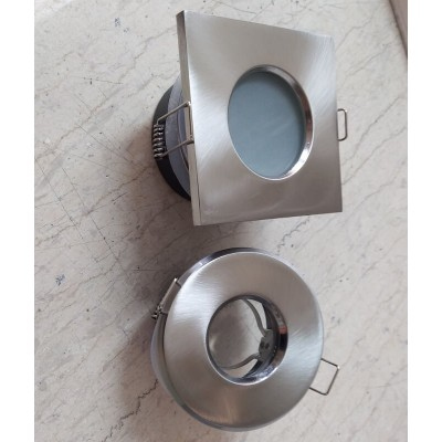 Χωνευτό στρογγυλό σποτ Ø8.4cm στεγανό με γυαλί