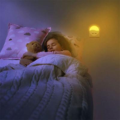 Φωτάκι νυκτός LED με δύο θύρες USB και φωτοκύτταρο
